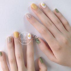 黄色绿色圆形夏天水果手绘波点跳色美甲图片