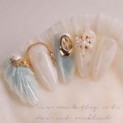蓝色尖形夏天晕染贝壳珍珠金属饰品日式夏天还是海边最好美甲图片