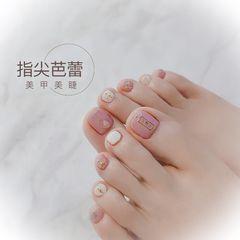裸色脚夏天简约粉色金属饰品跳色美甲图片