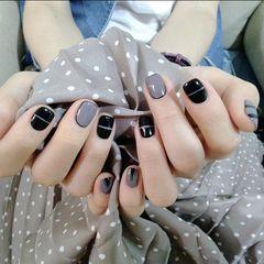 方圆形短指甲简约手绘黑色灰色线条手绘线条美甲图片