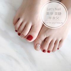红色脚金箔贝壳片美甲图片