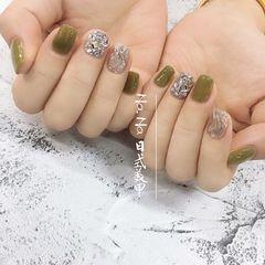 方圆形水波纹绿色银色钻美甲图片