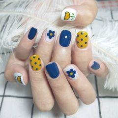 黄色蓝色方圆形短指甲夏天花朵波点美甲图片