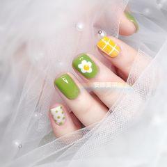 方圆形绿色黄色手绘花朵格子波点跳色夏天美甲图片