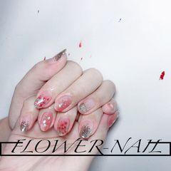 银色圆形渐变夏天花朵贝壳片粉色美甲图片