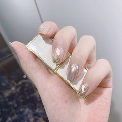 银色方圆形贝壳片渐变魔镜粉美甲图片