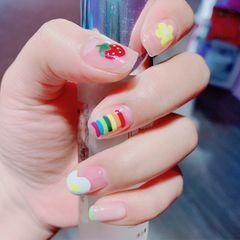 彩色方圆形夏天彩虹鸡蛋法式美甲图片