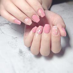 方圆形晕染夏天贝壳片金箔粉色美甲图片