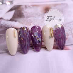 尖形贝壳片晕染日式手绘紫色白色金箔美甲图片