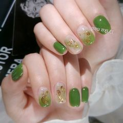 方圆形绿色晕染金箔金属饰品美甲图片