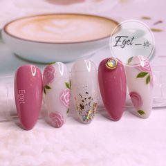 尖形夏天新娘花朵手绘日式粉色美甲图片