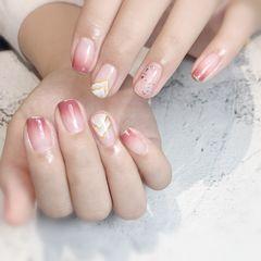 方圆形夏天晕染渐变粉色手绘美甲图片