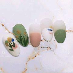 绿色裸色夏天花朵手绘磨砂圆形圆法式美甲图片
