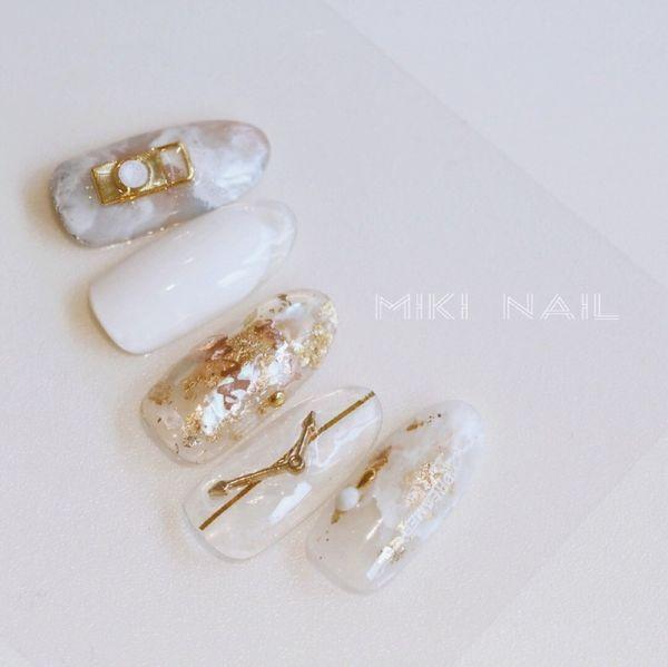 简约新娘晕染圆形白色金箔金属饰品日式──MIKI NAIL 学员练习作美甲图片
