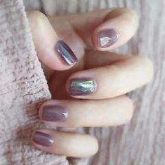 秋天简约玻璃纸方圆形紫色美甲图片