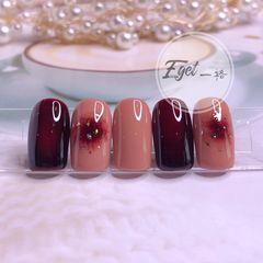 红色方圆形秋天短指甲晕染金箔腮红甲美甲图片