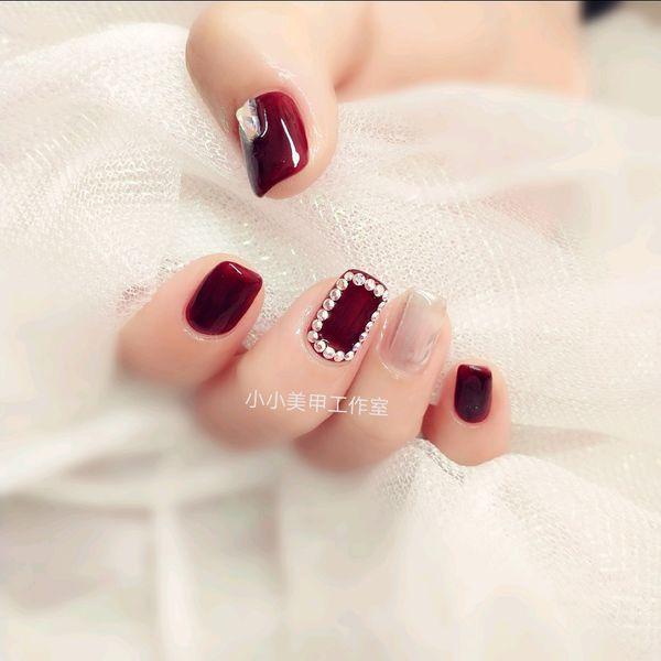 方圆形秋天钻魔镜粉跳色酒红色美甲图片