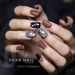 黑色金属饰品钻方圆形棕色磨砂美甲图片