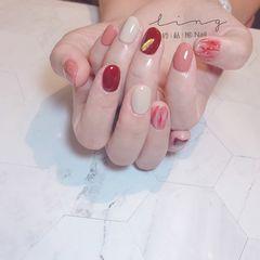 红色圆形秋天晕染跳色简约白色美甲图片