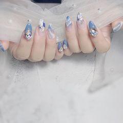 蓝色尖形跳色晕染渐变贝壳片金箔钻日式美甲图片