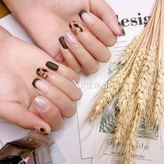 方圆形棕色手绘豹纹磨砂法式秋天美甲图片