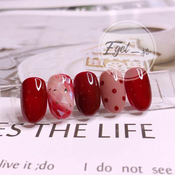 红色圆形秋天新娘上班族手绘美甲图片