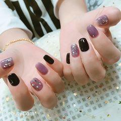 方圆形紫色黑色亮片跳色美甲图片