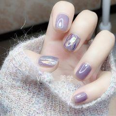方圆形短指甲秋天上班族简约玻璃纸紫色美甲图片