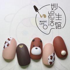 圆形短指甲秋天磨砂手绘可爱豹纹棕色美甲图片