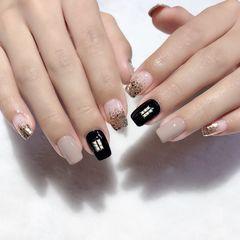 裸色方圆形短指甲跳色渐变黑色珍珠钻饰美甲图片