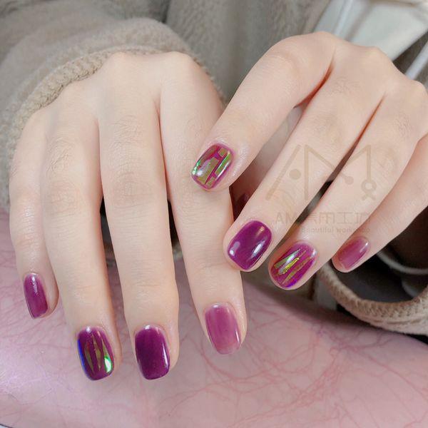 方圆形玻璃纸紫色美甲图片