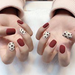 方圆形红色白色手绘豹纹磨砂美甲图片