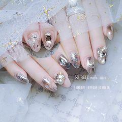 裸色银色圆形圣诞磨砂短指甲新娘贝壳片简约金箔渐变美甲图片