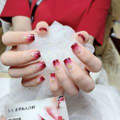 酒红色方形简约渐变金箔新娘新年上班族短指甲钻饰美甲图片