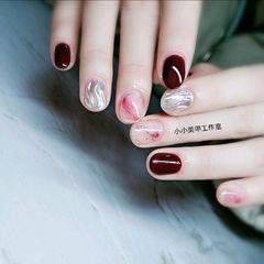 圆形酒红色新年短指甲晕染美甲图片
