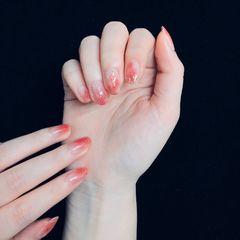 红色圆形新年简约金箔晕染贝壳片渐变美甲图片