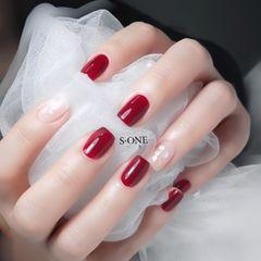 红色酒红色方圆形新年简约金箔贝壳片短指甲上班族美甲图片