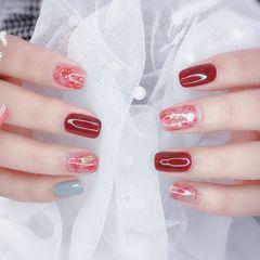 方圆形红色晕染金箔新年美甲图片