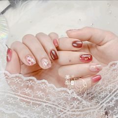 红色方圆形短指甲新娘简约上班族晕染金箔贝壳片日系显白美梨美梨工坊美甲图片