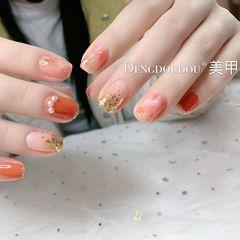 橙色方圆形春天渐变晕染金箔亮片珍珠美甲图片