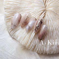 裸色银色尖形磨砂新娘晕染渐变金箔简约花朵手绘美甲图片