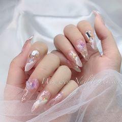 裸色尖形新娘春天晕染金箔简约贝壳片渐变裸粉色山丘纹美甲图片