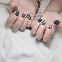 绿色方圆形夏天简约磨砂花朵晕染手绘美甲图片