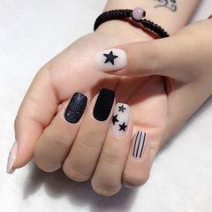 方圆形夏天跳色简约磨砂短指甲黑色手绘美甲图片
