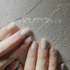 方形裸色夏天短指甲新娘简约上班族美甲图片