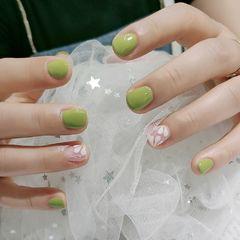 绿色方圆形夏天短指甲花朵美甲图片