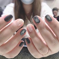 方圆形夏天金箔跳色简约贝壳片上班族渐变短指甲晕染白色  烟灰色   褐色美甲图片
