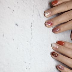 橙色酒红色银色方形夏天上班族晕染短指甲渐变贝壳片金箔简约美甲图片