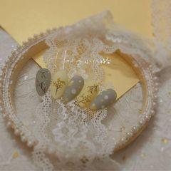 绿色黄色裸色方圆形磨砂夏天波点短指甲上班族新娘简约跳色金箔花朵美甲图片