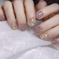 裸色方圆形夏天金箔简约贝壳片短指甲美甲图片